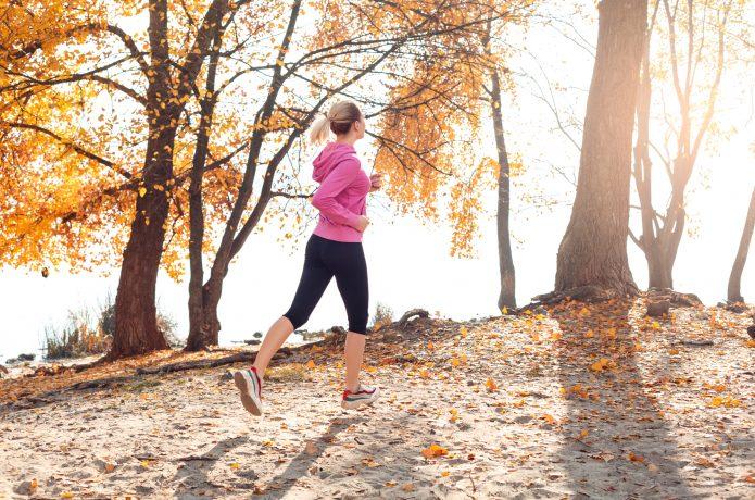 ランニングに積極的に取り組む女性