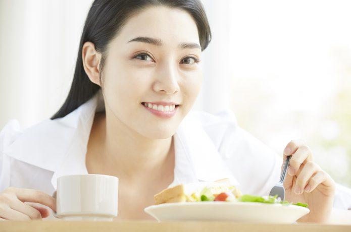 女性 食事 ライフスタイル