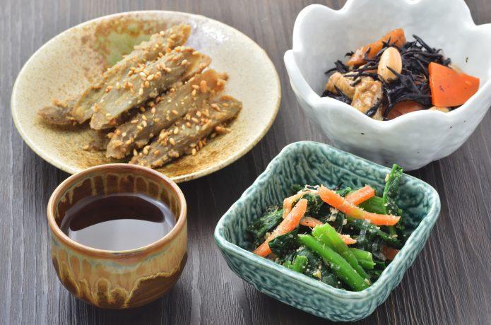 PIXTA バランスの良い食事 野菜 小鉢
