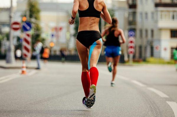 マラソン テーピング