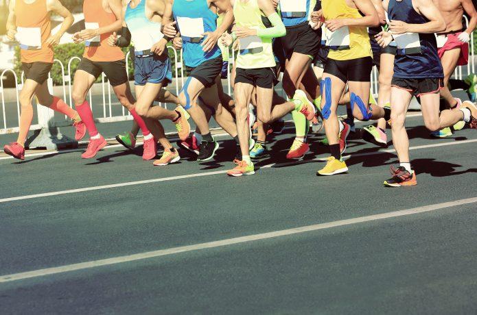マラソンレースのイメージ画像