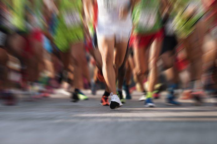 マラソン大会のスタートイメージ