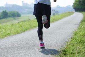 マラソン ランニング 河川敷