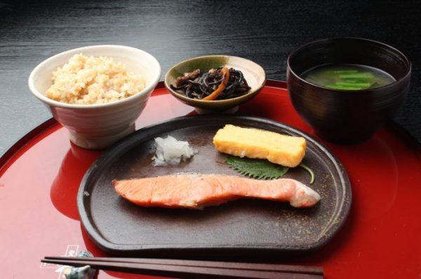 栄養バランスでは和食がベスト
