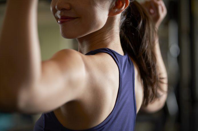 筋肉の発達した女性イメージ