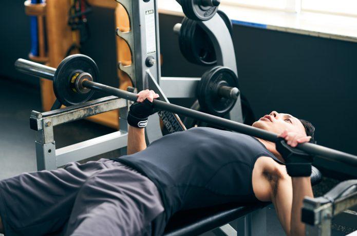バーベルトレーニング 男性 ジム トレーニング用グローブ