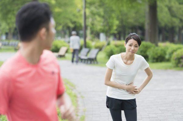 女性 ランニング お腹が痛い