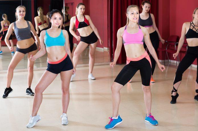 ダンスエクササイズ 女性 スポーツウェア スタジオ フィットネスシューズ