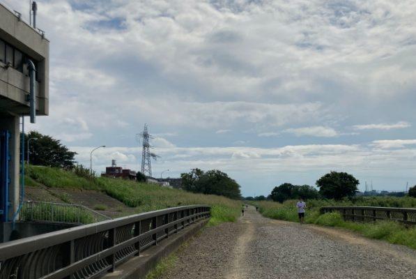 多摩川 未舗装路
