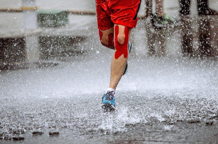 雨の中のランニング