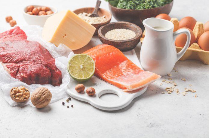 たんぱく質 食材 肉 魚 チーズ 卵 牛乳