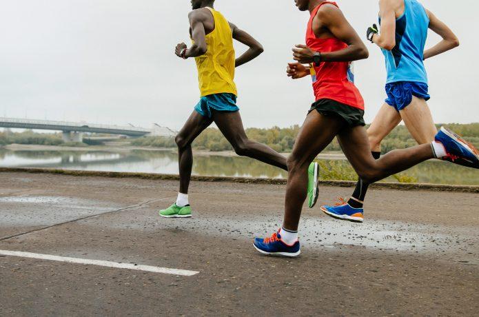 ランパンを履いて走る選手