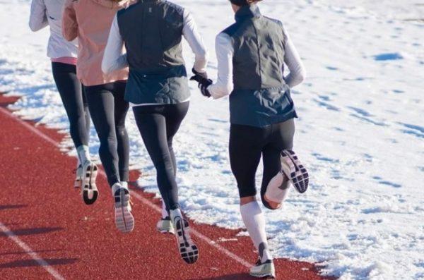 Onで走る 女性ランナー