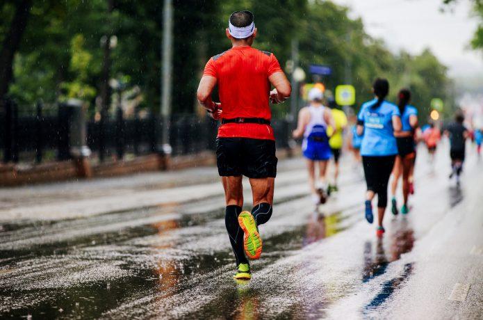 マラソンに出るランナー
